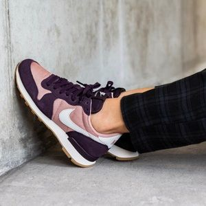 Nike Suede Internationalist Sneakers